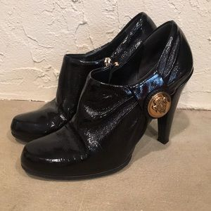 Gucci Vernice Naplack Patent Leather Ankle Boot